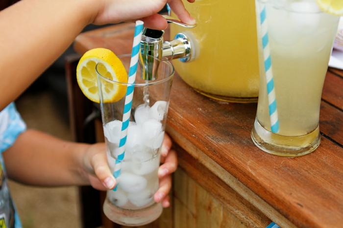 limonade selber machen kalt getränk vitamine