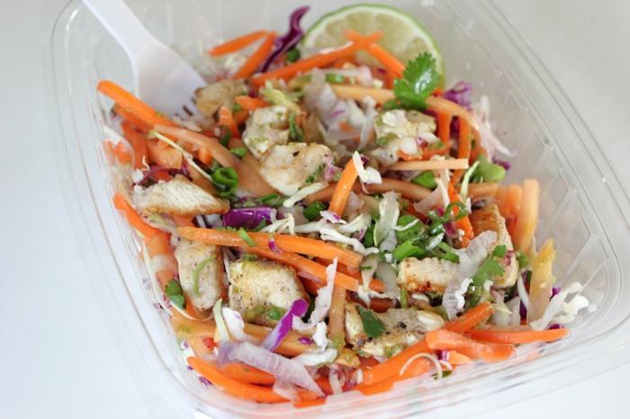 low carb rezepte kalorienarmer salat hähnchen karotten rotkohl