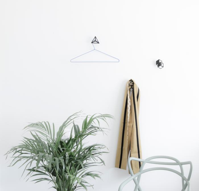 moderne garderobenhaken vom spanischen designer octavio. Black Bedroom Furniture Sets. Home Design Ideas