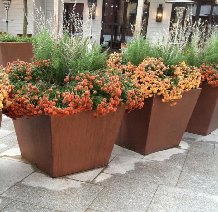 pflanzkübel design groß garten verschönern bodenfliesen