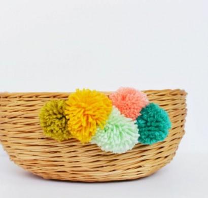 Pompons basteln und damit einen korb dekorieren solutioingenieria Images