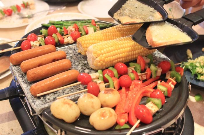 raclette rezepte grill würstchen mais gemüse