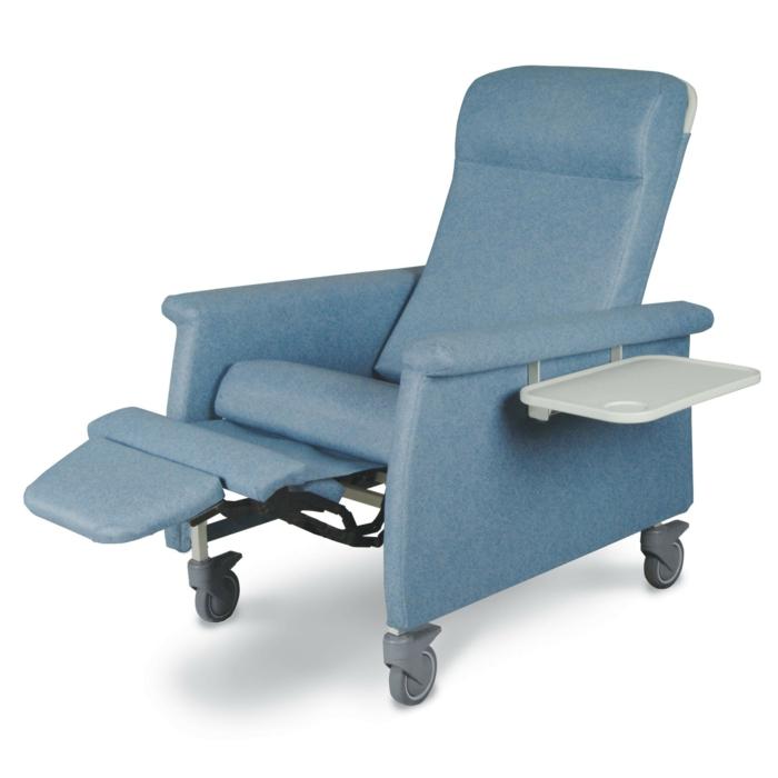 relaxsessel blau funktional räder wohnideen