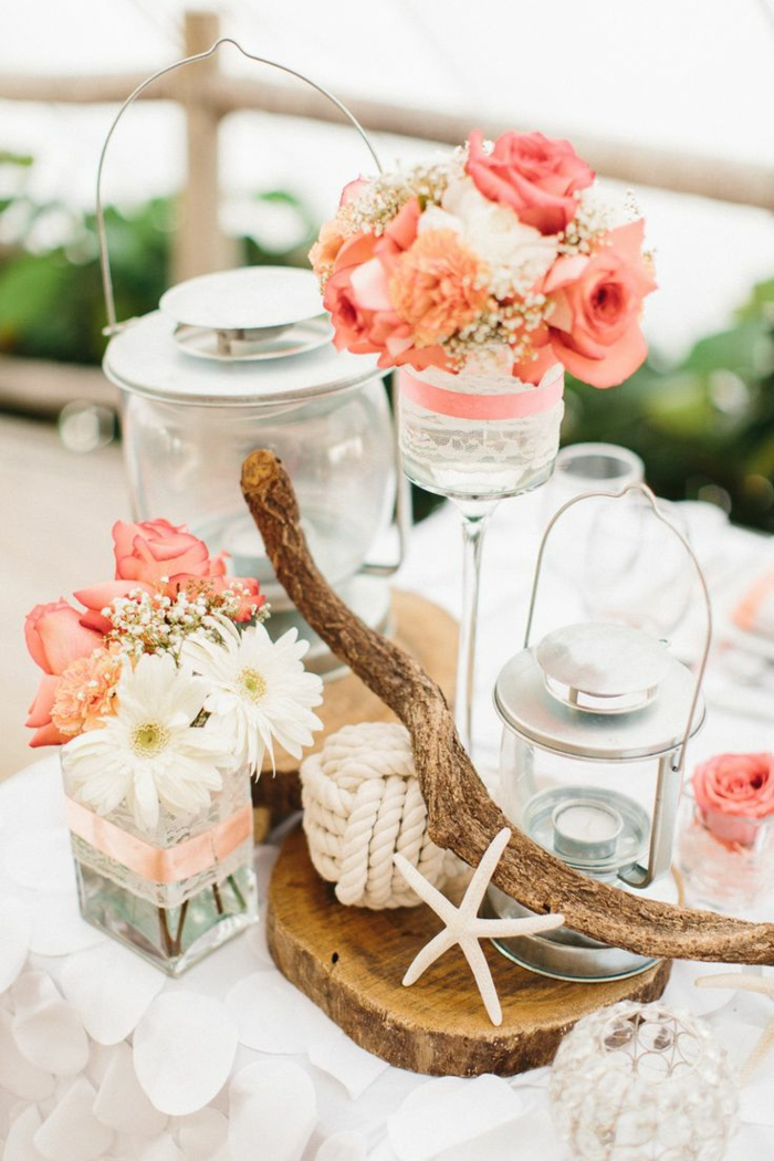 rosen deko sommer tischdekoration glasvasen weiße spitze