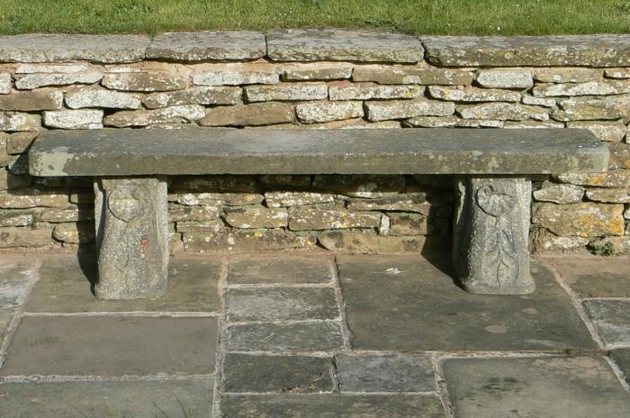 rustikale gartenmöbel gartenbank stein außenmöbel