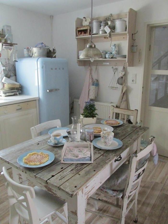 rustikale möbel essbereich küche holzboden offene regale