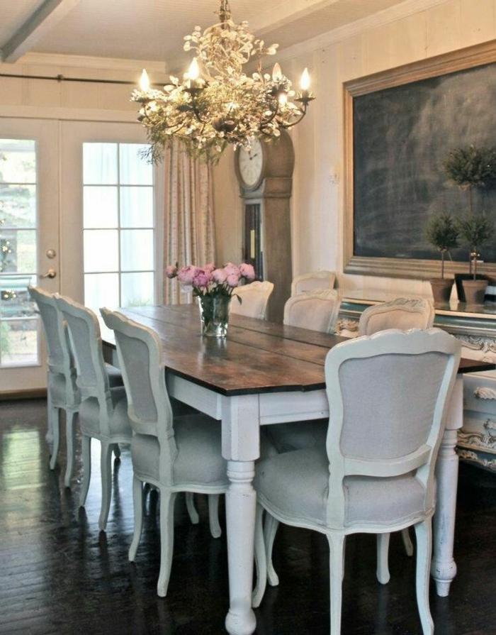 rustikale möbel esszimmer einrichten blumendeko komfortable stühle