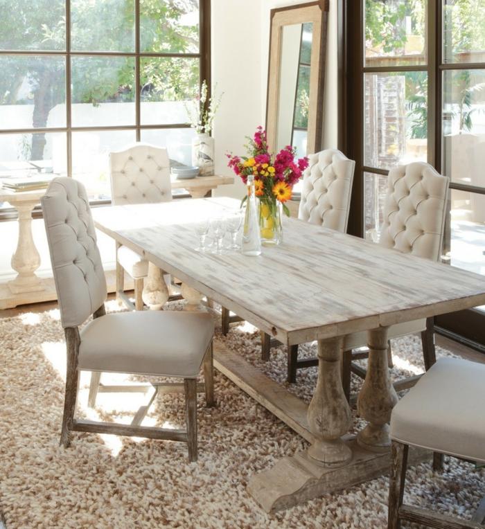 rustikale möbel esszimmer einrichten elegante komfortable stühle teppich
