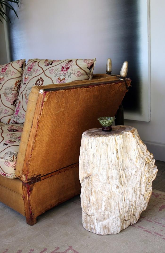 rustikale möbel rustikaler beistelltisch wohnzimmer einrichten