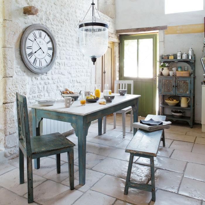 Rustikaler Esstisch Macht Die Küche Zu Einem Interessanten Ort Essbereich Gestalten Steinwand
