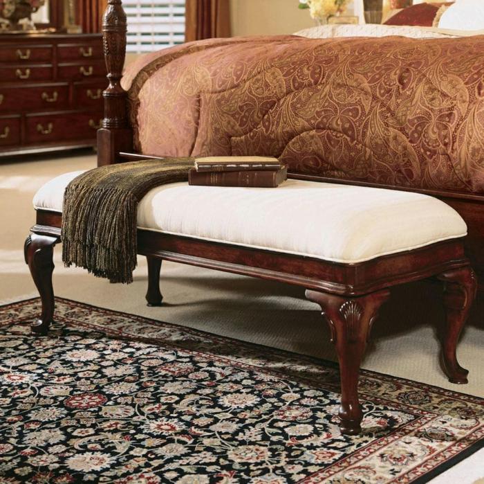 schlafzimmer bank funktionales möbelstück teppich