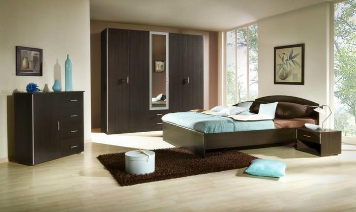 schlafzimmer einrichten ideen braune akzente hellblaue akzente