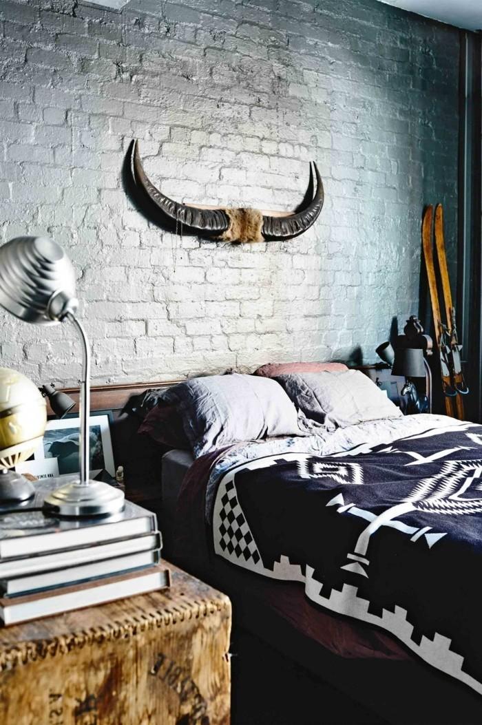 schlafzimmer einrichten in industriellen stil mit attraktiver wanddeko