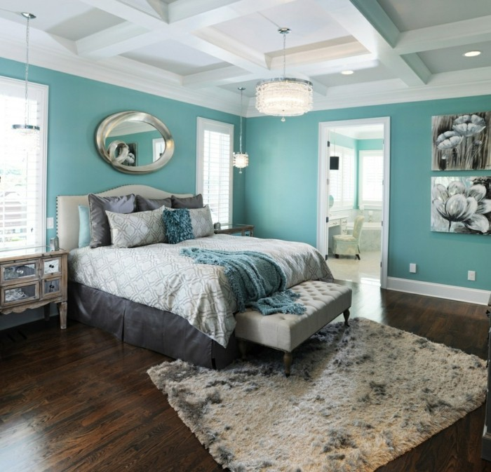 schlafzimmer einrichten mit grünen wänden und kassettendecke