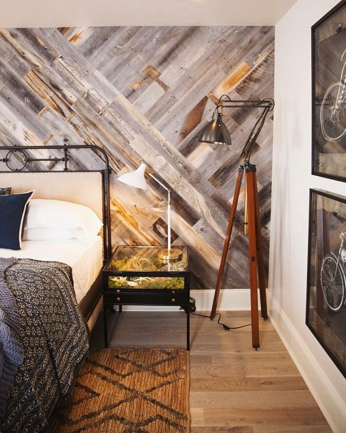 schlafzimmer einrichten wunderschöne wandgestaltung und ausgefallener beistelltisch