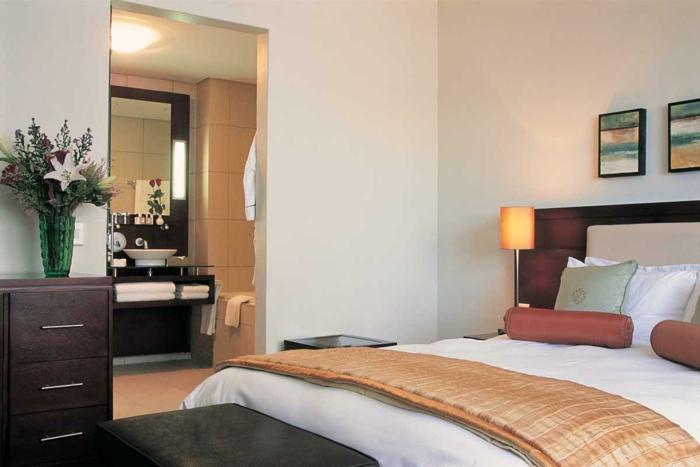schlafzimmer einrichtungsideen badezimmer blumendeko