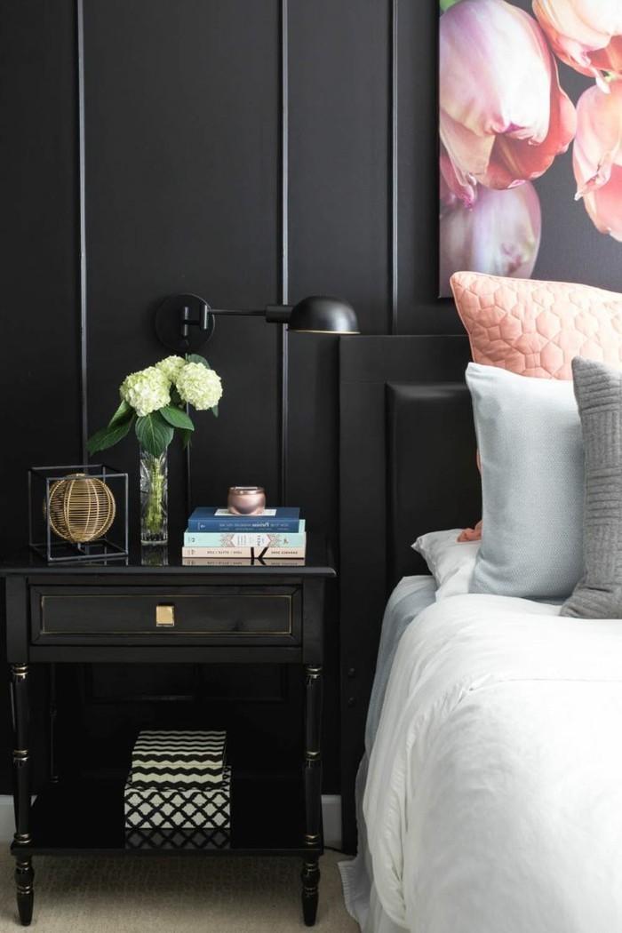 schlafzimmer ideen schwarze wandgestaltung und weiße bettwäsche