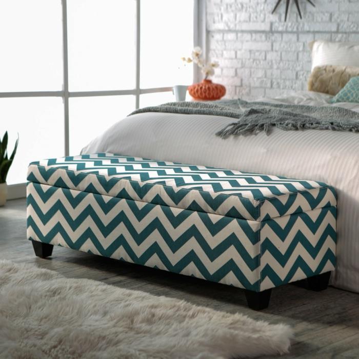 schlafzimmer bank bietet dem schlafzimmer mehr bequemlichkeit an. Black Bedroom Furniture Sets. Home Design Ideas