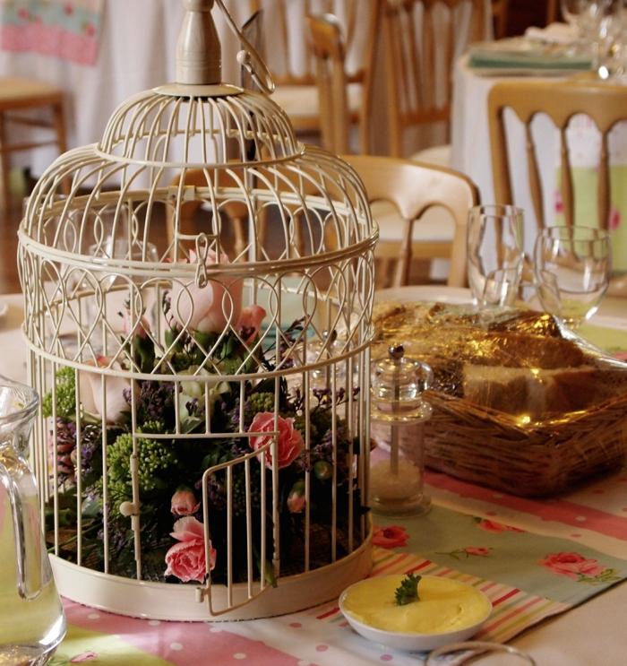 tischdeko esszimmer esstisch vintage deko metallene vogelkäfige
