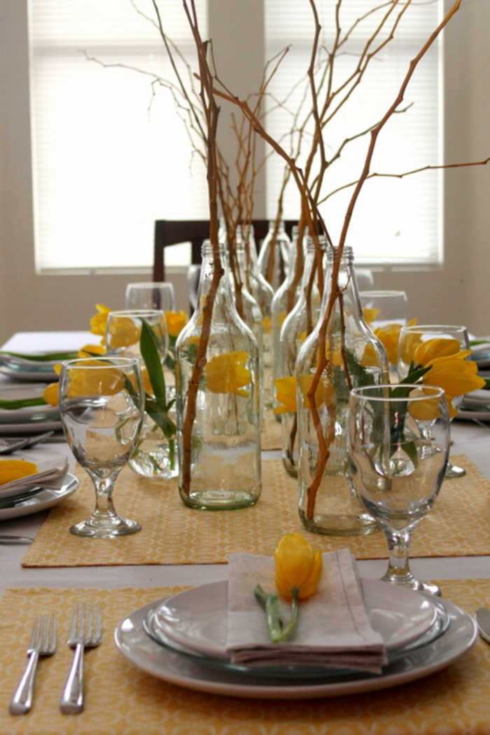 tisch deko esszimmer firsche gelbe tulpen zweige