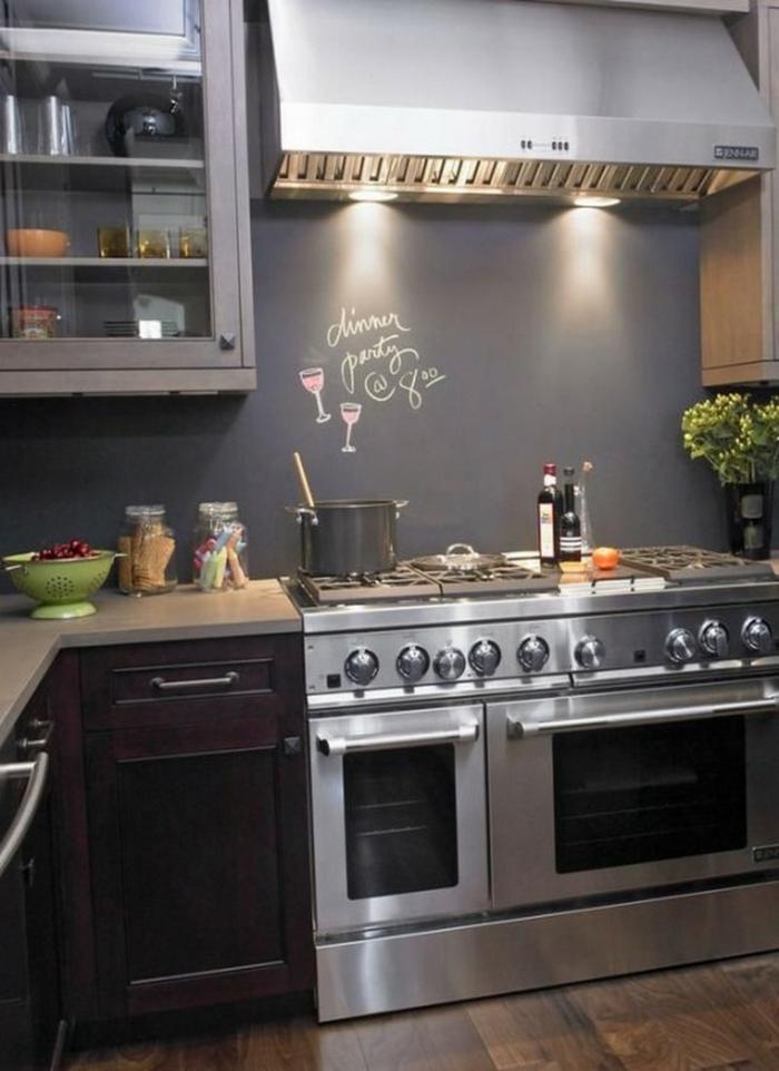 wandtafel küche schöne akzentwand metalloberflächen pflanzen