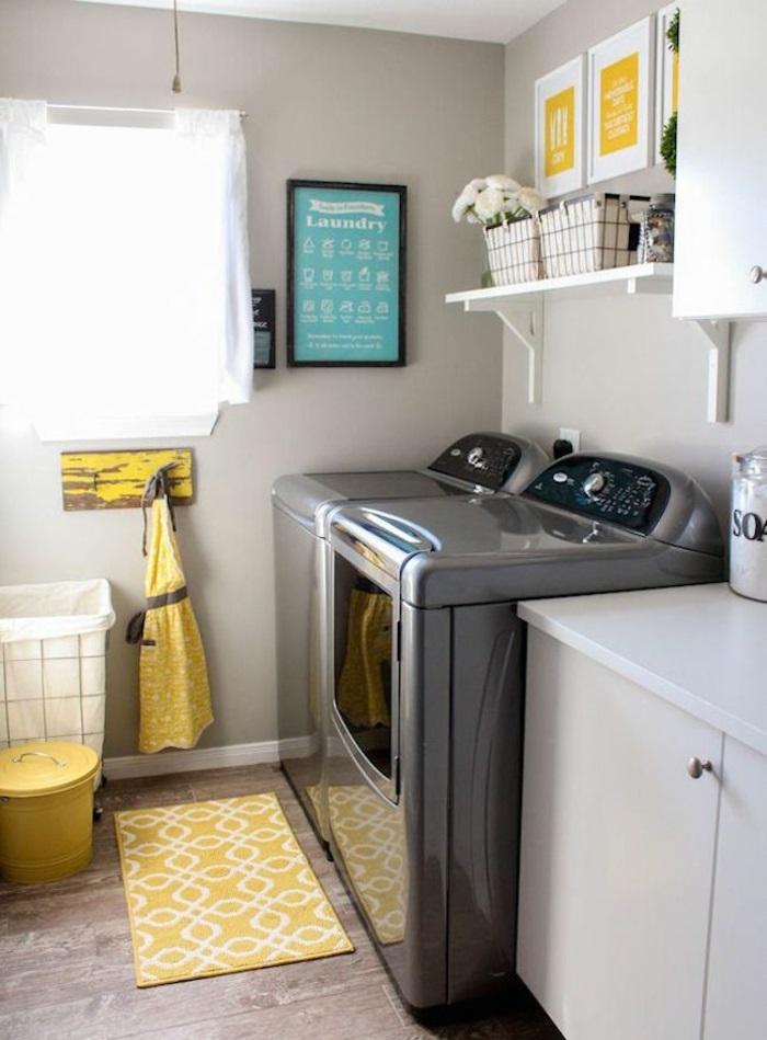 waschküche einrichten tipps bodenbelag gelber teppich möbel