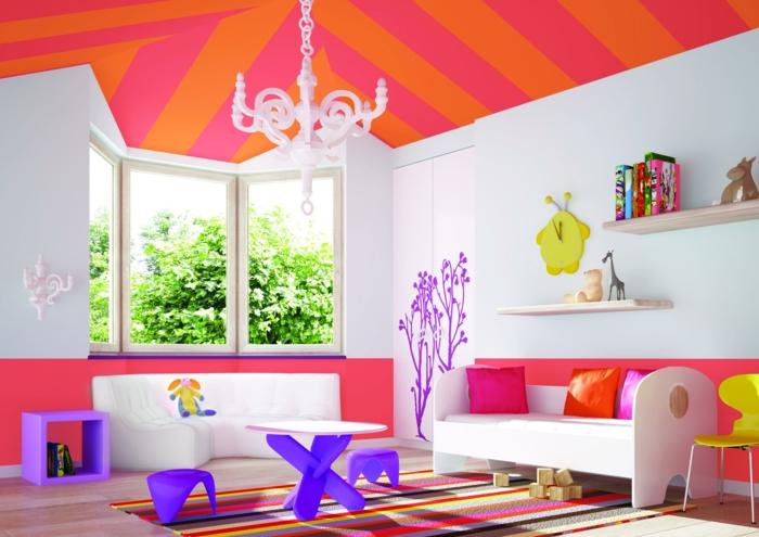 wohnideen kinderzimmer streifenteppich farbige decke weiße wände offene wandregale