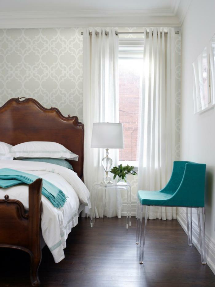 wohnideen schlafzimmer weiße gardinen und grüne akzente