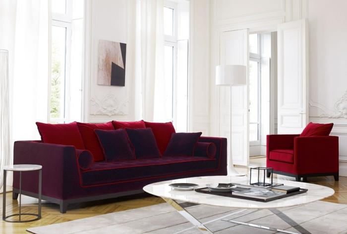 wohnideen wohnzimmer schönes sofa rote akzente moderner couchtisch