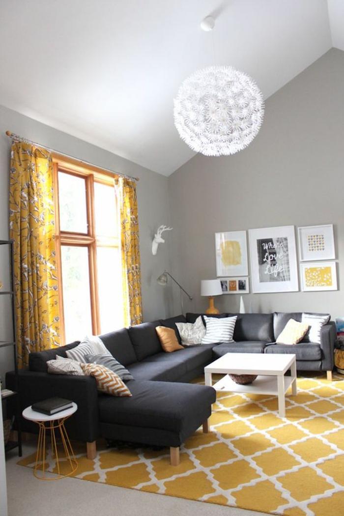 wohnzimmer einrichten tipps bodenbelag teppich gelb weiß akzente