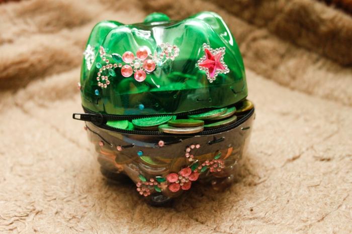 Upcycling Ideen Basteln mit Pet Flaschen portmoney