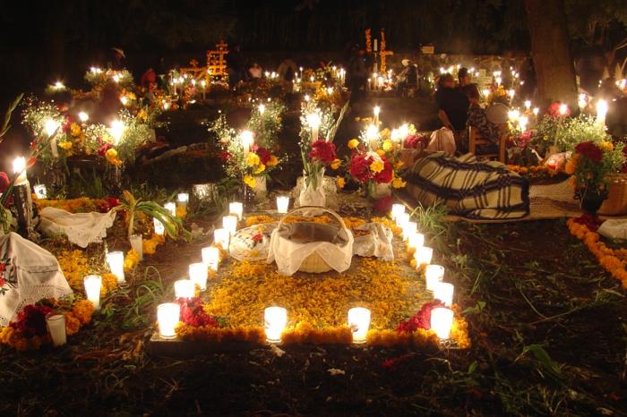 Ideen für Halloween feiern auf dem friedhof Ideen für Halloween deko halloween geschichte kuerbislaterne basteln