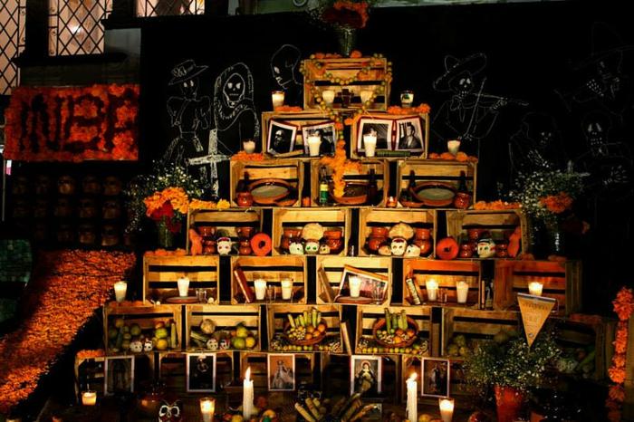 Ideen für Halloween mexiko altar Ideen für Halloween deko halloween geschichte kuerbislaterne basteln