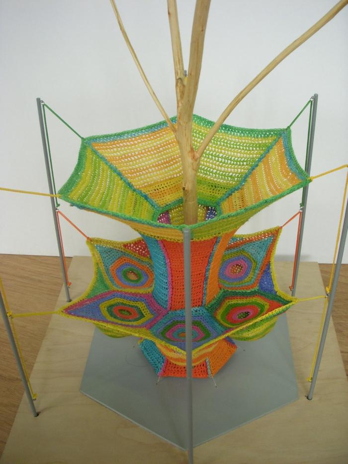 Künstlerin Toshiko Horiuchi Mac Adam farbige strickwaren zum spielen