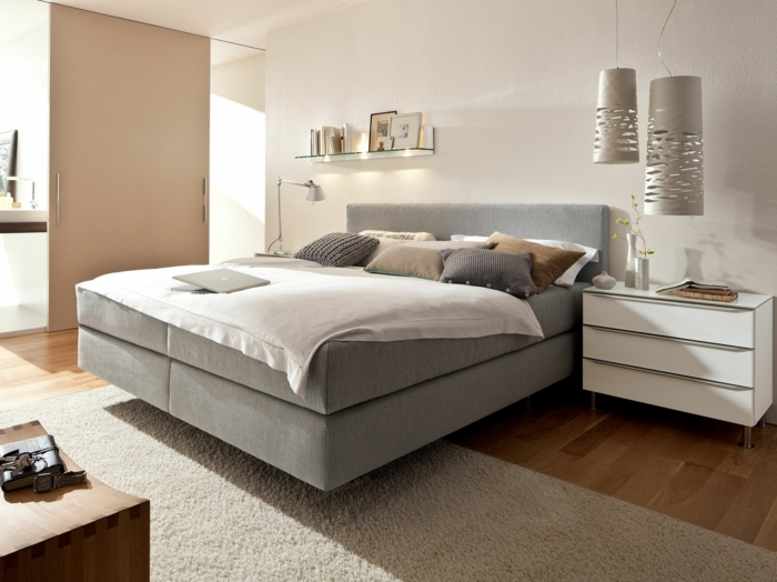 boxspringbetten und altbew hrtes liegen nach wie vor im trend. Black Bedroom Furniture Sets. Home Design Ideas