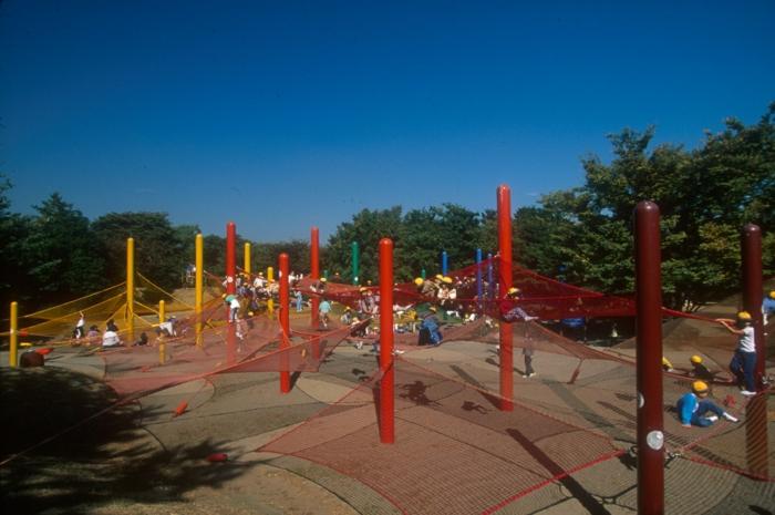 Toshiko Horiuchi Mac Adam kinderspielplatz aus strickwaren