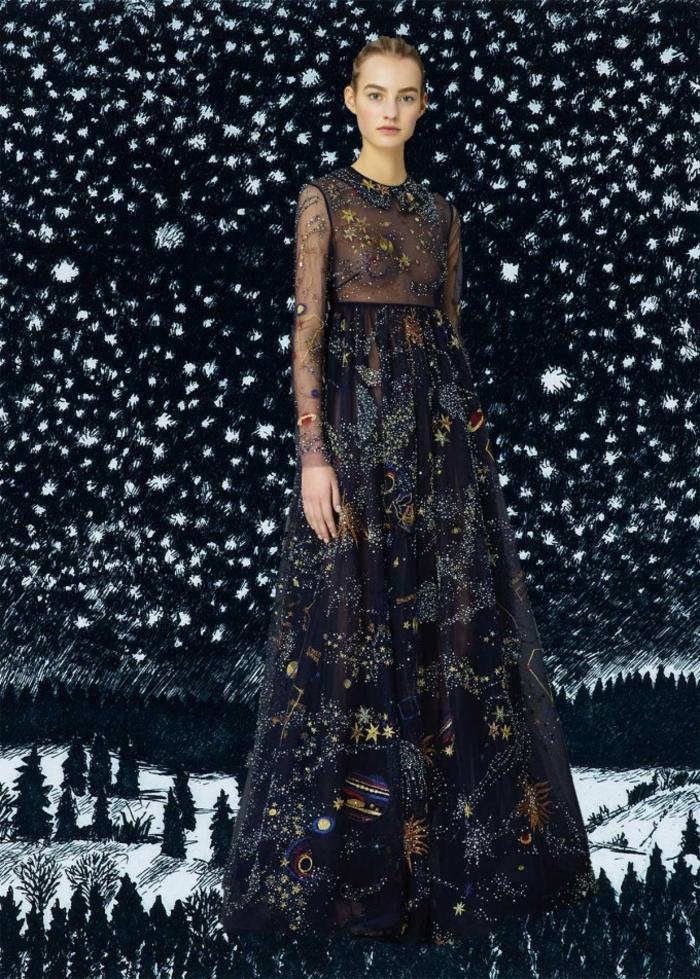 Valentino Kleider sehr dunkel