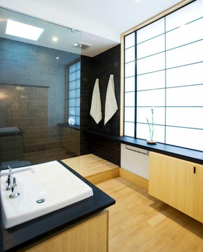 badeinrichtung japanisch minimalistisch trennwand glas