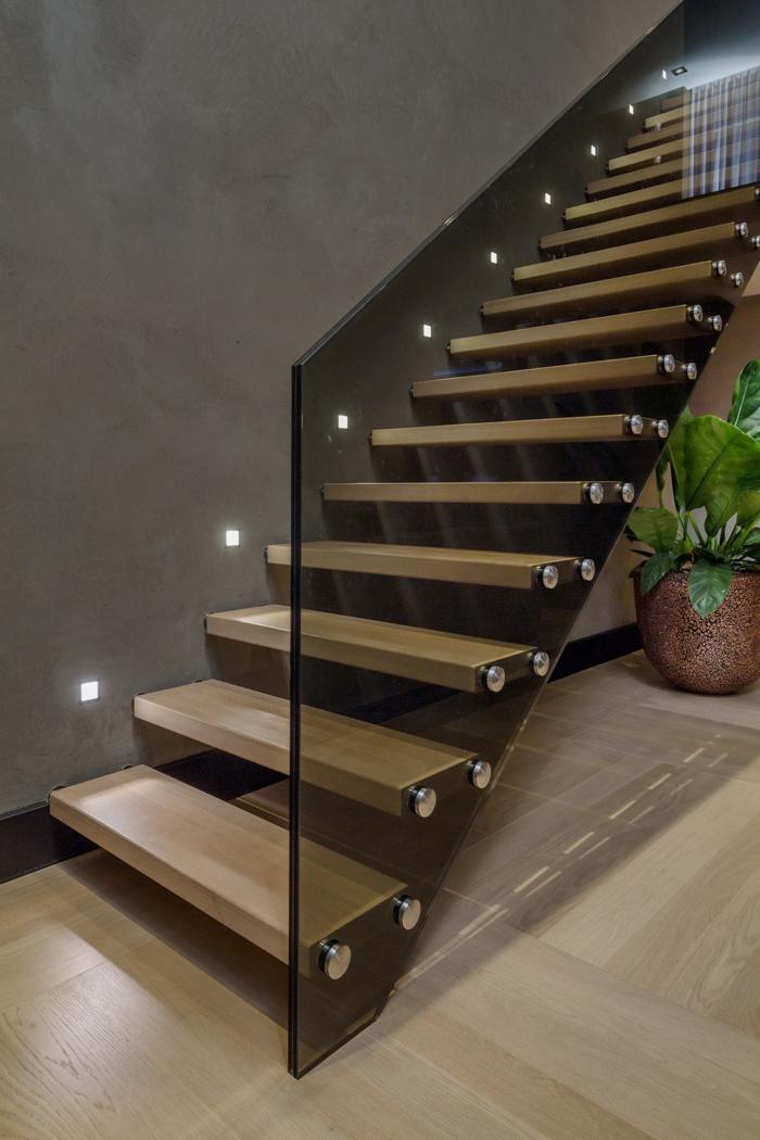 Beleuchtung treppenhaus l sst die treppe unglaublich sch n erscheinen - Wandleuchte treppenaufgang ...