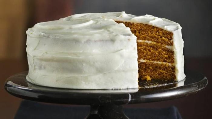blechkuchen kürbis drei schichten weiße glasur