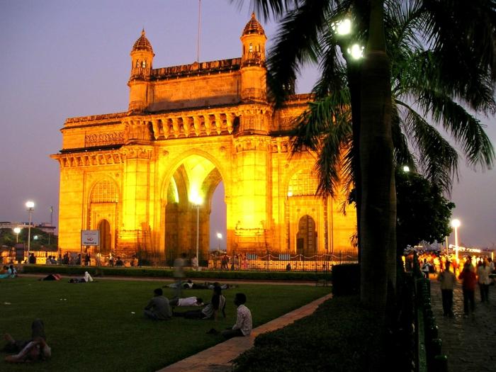 bombay indien mumbai tor nachts