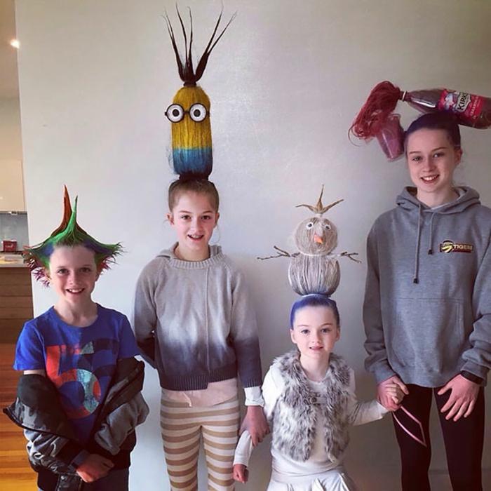 coole kinderfrisuren und halloween kostüme für kinder familienfoto