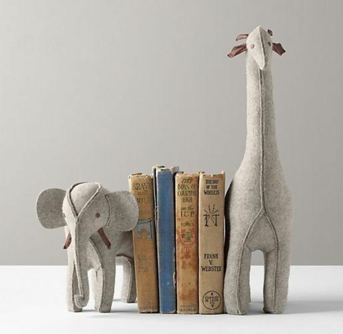 elefanten figuren bücherregal kreativ gestalten