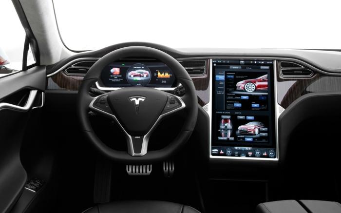 elektroauto tesla model s von innen luxus