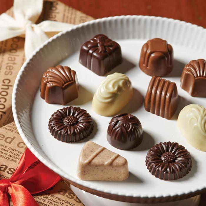 fairtrade schokolade kakao pralienen