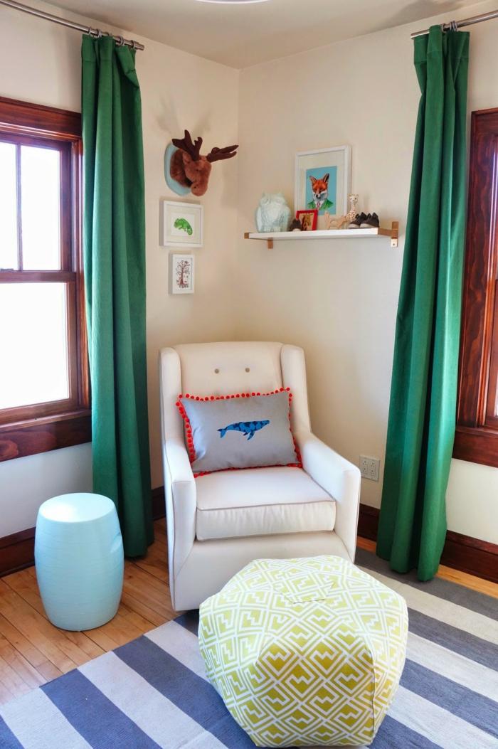Ikea Schreibtisch Fuer Kinder ~ gardinen nähen grün streifenteppich weißer sessel hocker