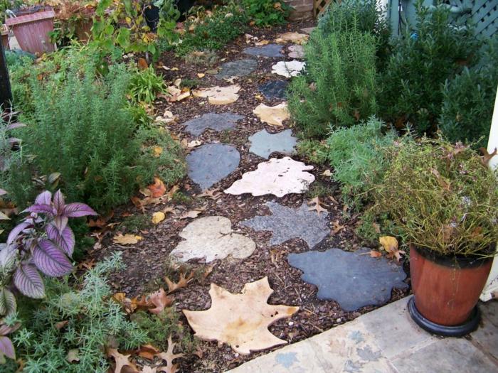 Gartensteine Ideen Wie Sie Dem Garten Einen Schonen Look