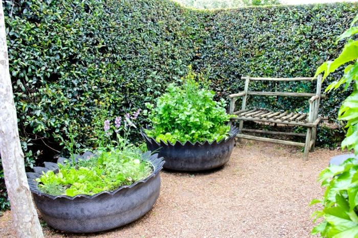 gartentipps ausgefallene pflanzengefäße alte autoreifen diy ideen