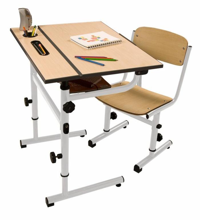 ein h henverstellbarer schreibtisch im kinderzimmer k nnte sehr praktisch sein. Black Bedroom Furniture Sets. Home Design Ideas