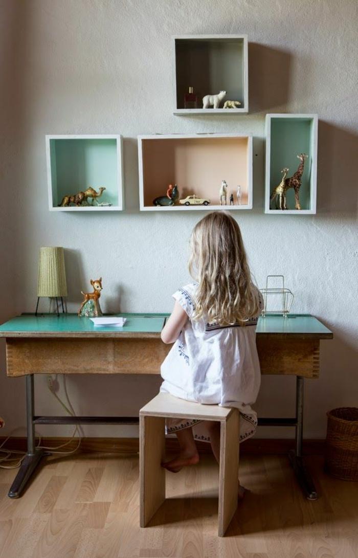 Ein Hohenverstellbarer Schreibtisch Im Kinderzimmer Konnte Sehr